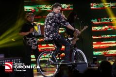 """24 de febrero de 2018/VI""""A DEL MAR El cantante Carlos Vives, durante la Quinta noche de la 59 versi—n del Festival de la Canci—n de Vi–a del Mar 2018. FOTO: CRISTOBAL ESCOBAR/AGENCIAUNO"""